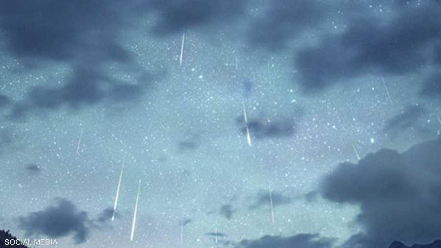 9 أغسطس.. تساقط زخات الشهب في السماء بشكل غير مسبوق