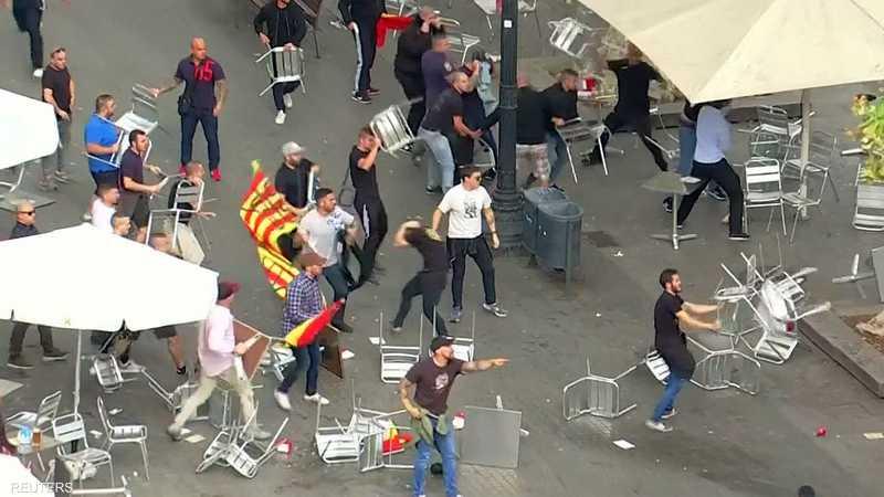 تحولت التظاهرات إلى مناوشات بين رافضي ومؤيدي الانفصال