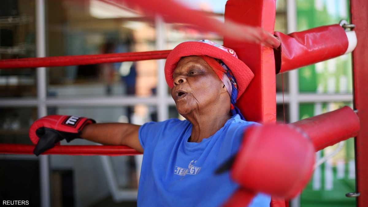 كونستانس نغوبان 79 عاما تأخذ قسطا من الراحة بعد جولة مرهقة