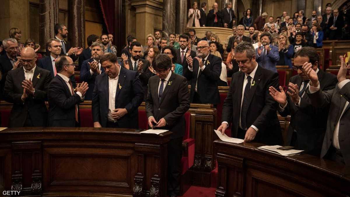 أعلن برلمان كتالونيا استقلال الإقليم