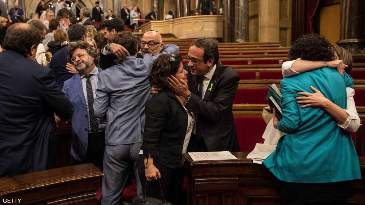 فرحة داخل البرلمان بعد إعلان استقلال الإقليم