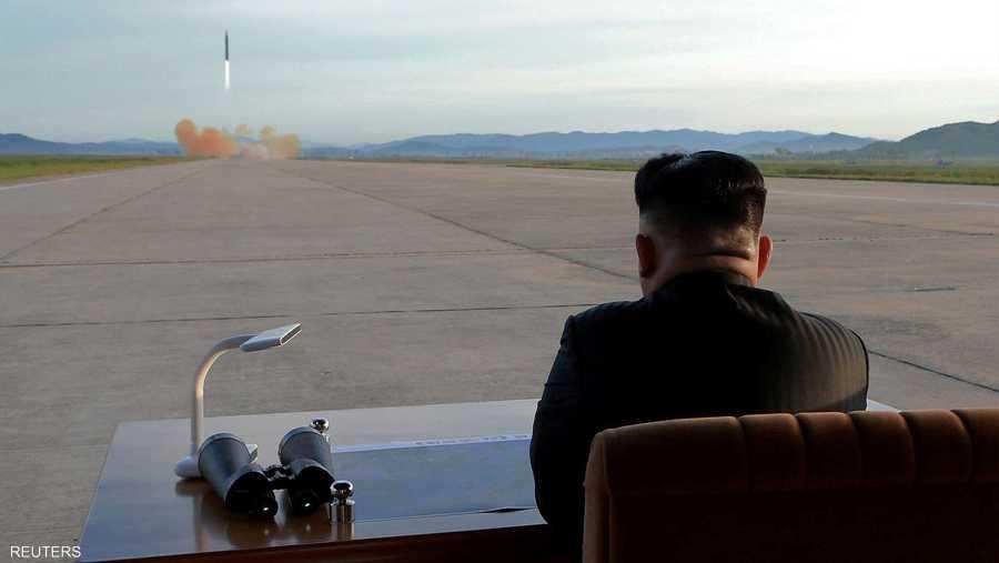 faf4e1fac3e1a زعيم كوريا الشمالية خلال إحدى التجارب
