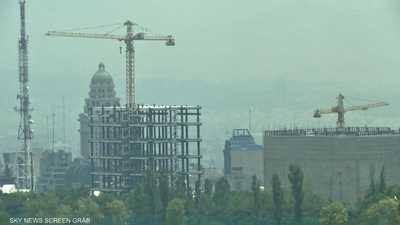 """""""التلوث"""" يغلق مدارس في إيران"""