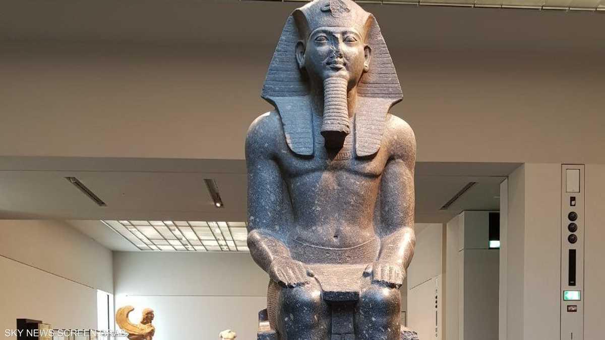 بعض القطع الأثرية معارة من متاحف عربية وأجنبية