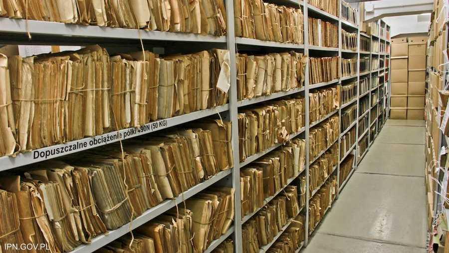 مكتبة أرشيف معهد الذاكرة الوطنية البولندي