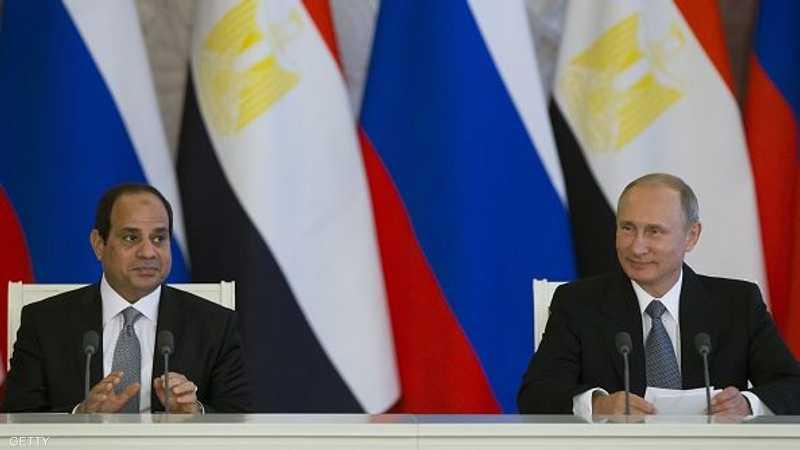 جانب من لقاء سابق بين بوتن والسيسي.