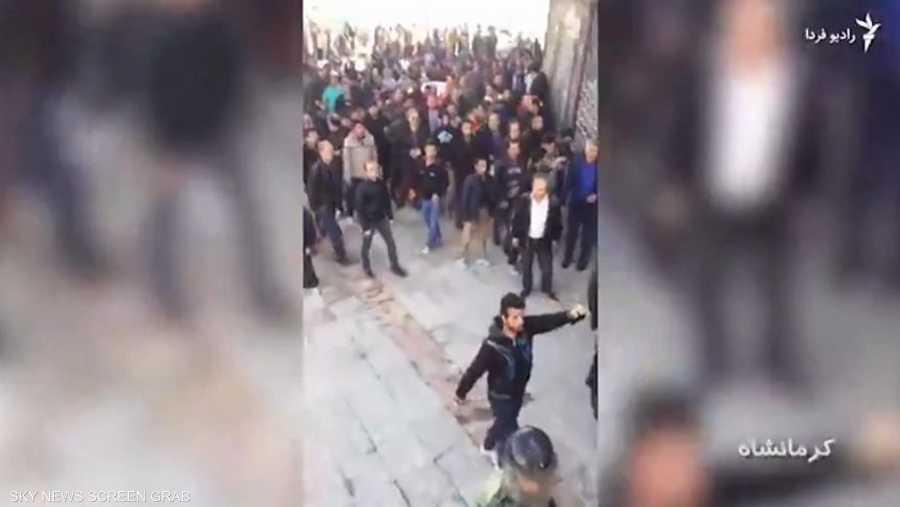 الغضب ينتقل من شرق إيران لغربها مرورا بطهران