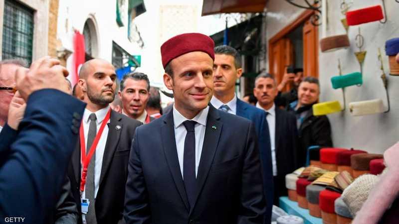"""ماكرون ارتدى """"الشاشية"""" التونسية"""