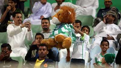 """أهلي جدة """"يشعل"""" صدارة الدوري السعودي"""