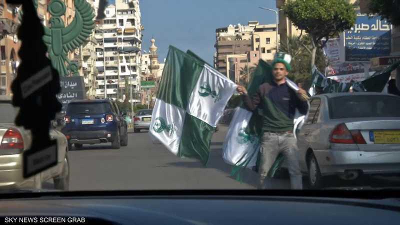 مليون شخص لا يعترفون إلا باللون الأخضر في ملاعب المصري