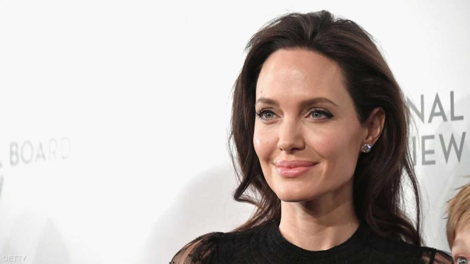 تصدرت جولي قائمة النساء الأكثر إثارة للإعجاب في العالم