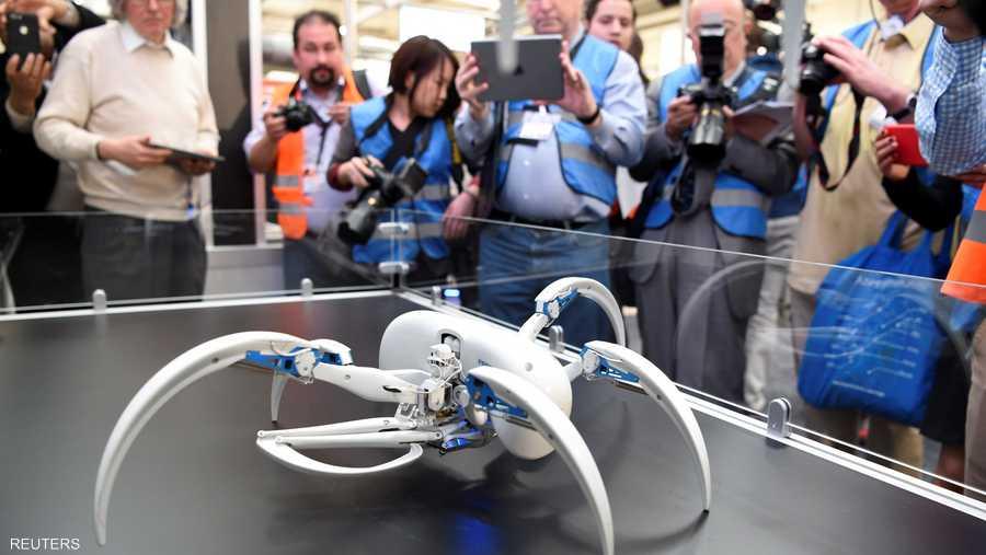 روبوت بشكل عنكبوت للاستخدام في البيئات الصعبة