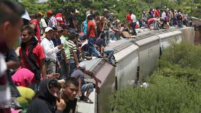 """حملة أميركية """"قاسية"""" ضد المهاجرين.. والموعد الأحد"""