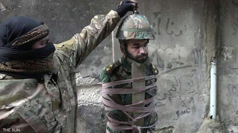 تمزقت رأس الجندي جراء انفجار القنبلة