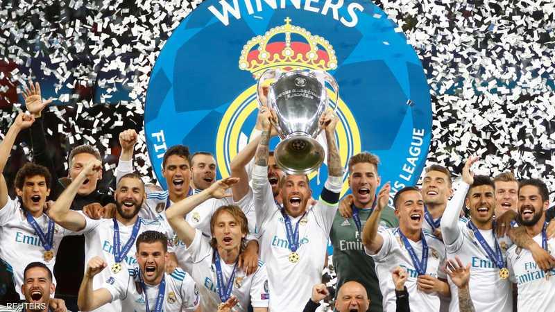 فريق ريال مدريد يحتفل بالفوز بلقب بطل الأبطال