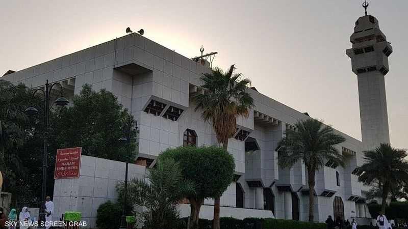 بني في المكان الذي أحرمت منه أم المؤمنين السيدة عائشة