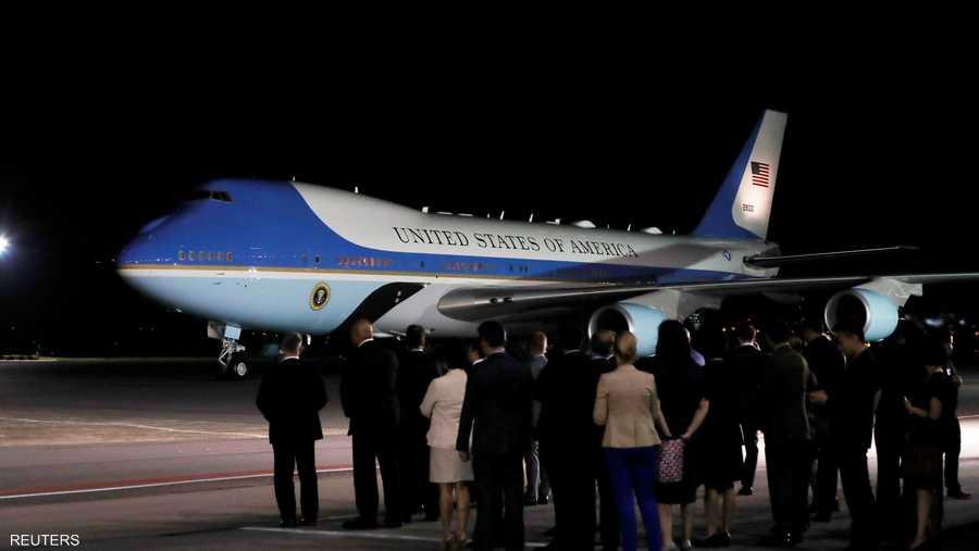 وصلت طائرة الرئس الأميركي في الساعة 8:30 بالتوقيت المحلي