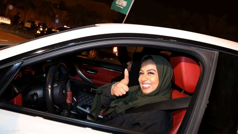 بعد عقود المرأة السعودية تجلس خلف مقود السيارة