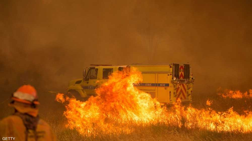 انتشر حريق اندلع الأحد بمقاطعة يولو على امتداد 9000 هكتار