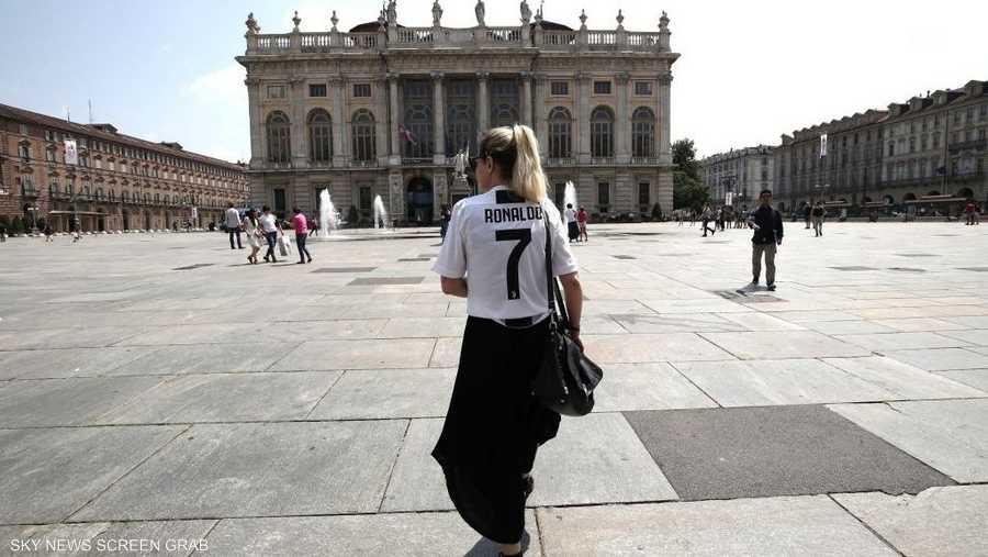 الهوس بقميص رونالدو اجتاح مدينة تورينو