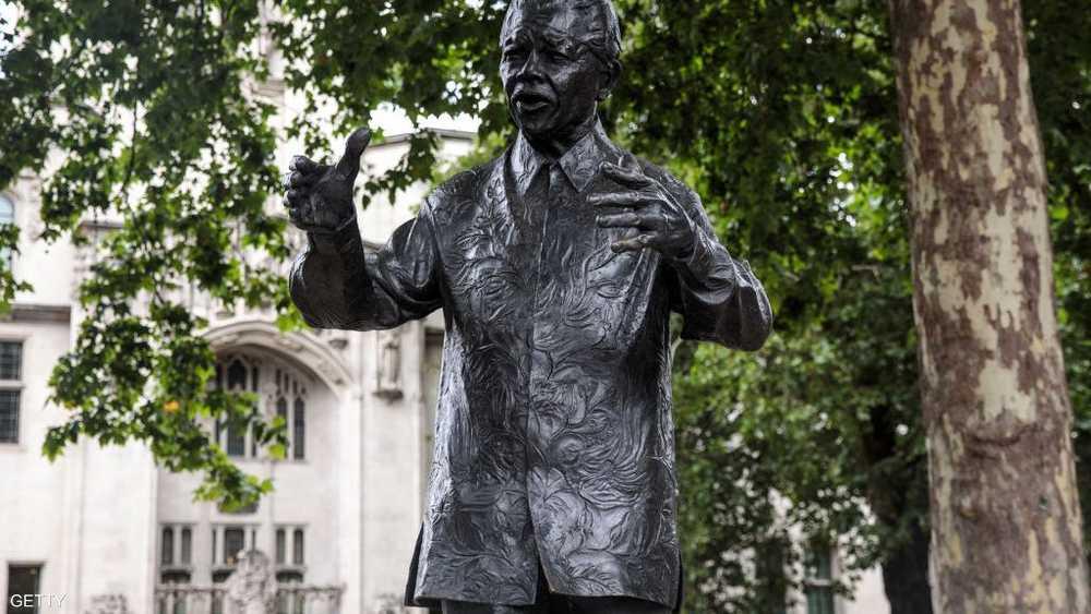 تمثال للزعيم الأفريقي الراحل