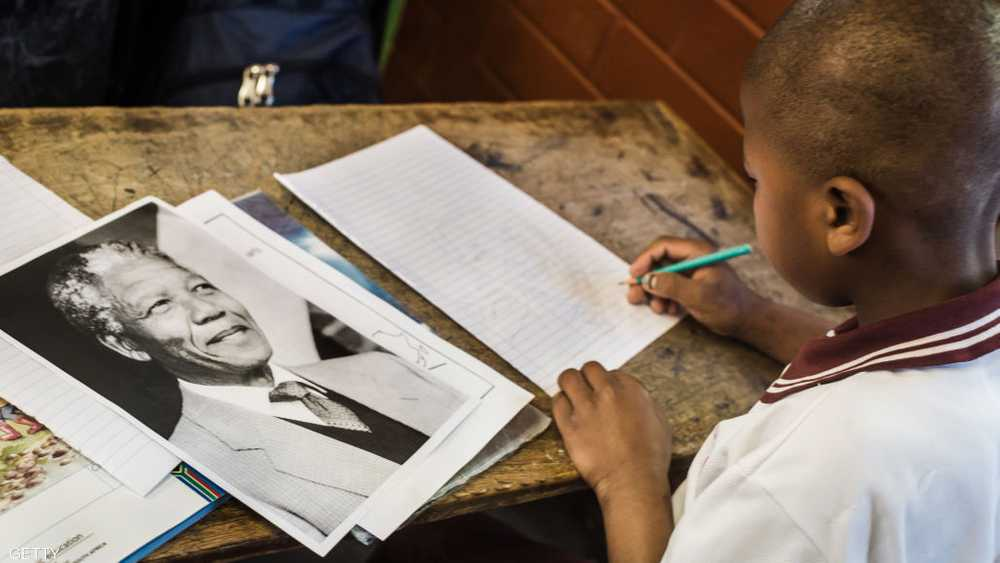 مانديلا باق في وجدان أطفال أفريقيا