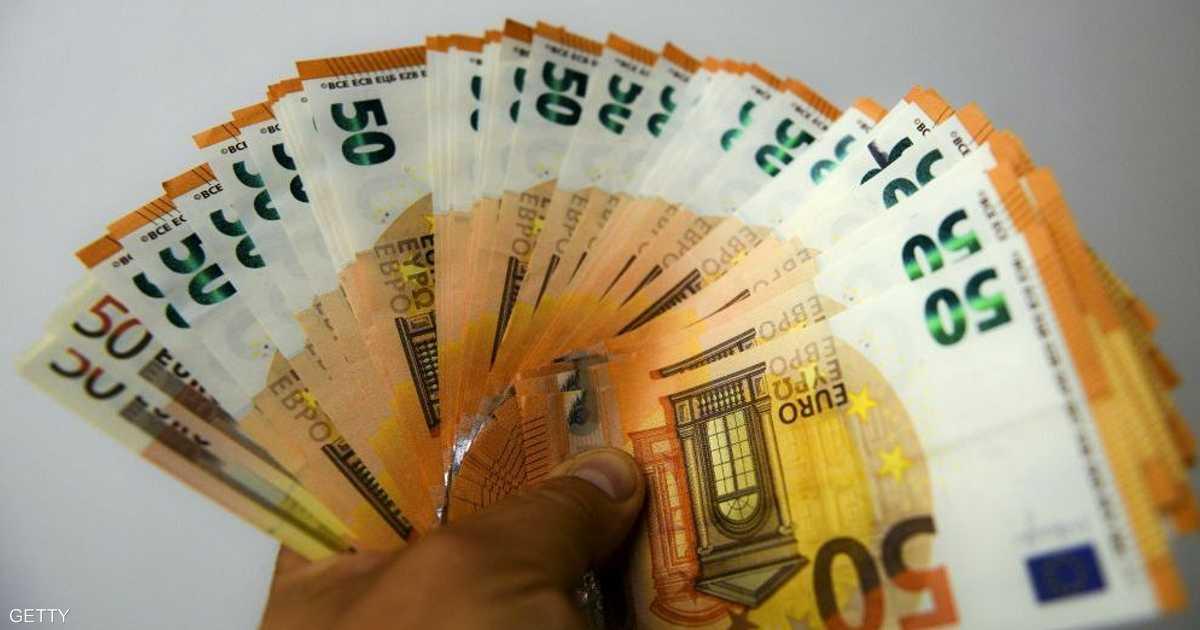 اليورو قرب أدنى مستوى في 22 شهرا