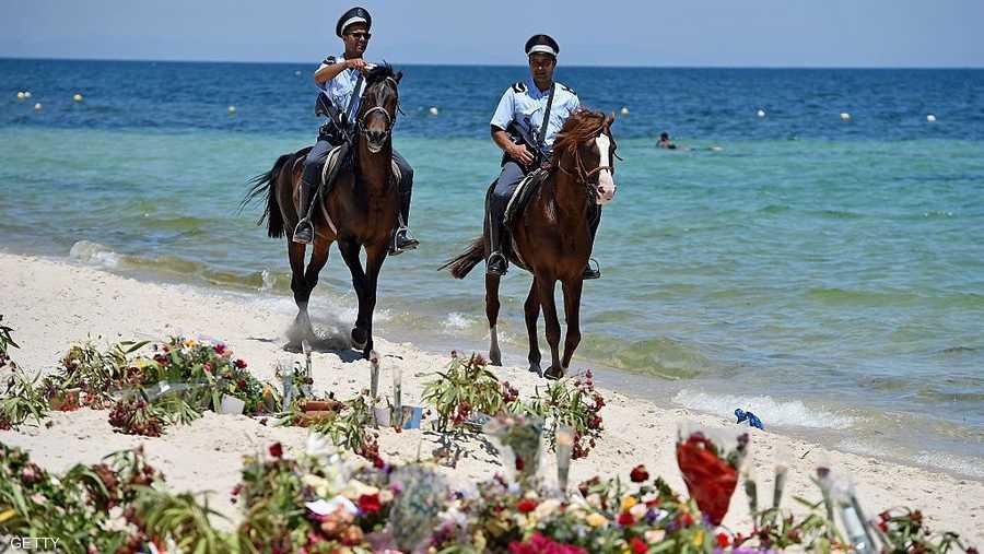 عناصر من رجال الشرطة التونسية