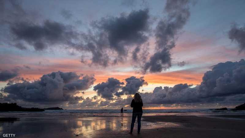 لحظات ساحرة من الغروب عند شاطئ نورث الإنجليزي
