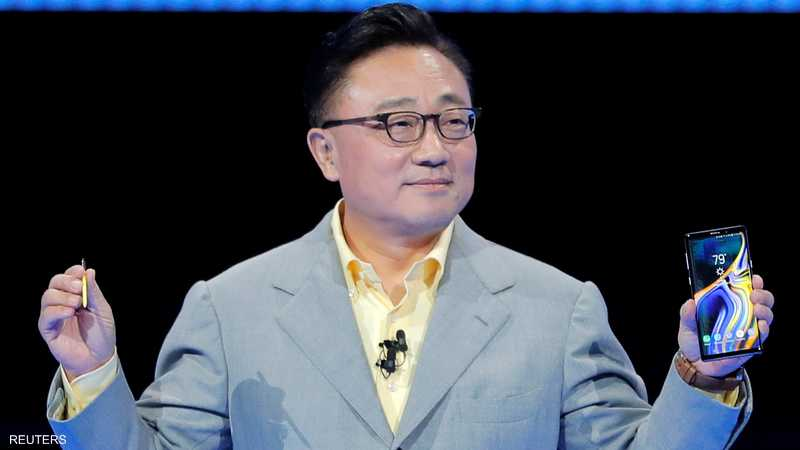 الرئيس التنفيذي لسامسونغ دي جي كو عرض غالاكسي الجديد
