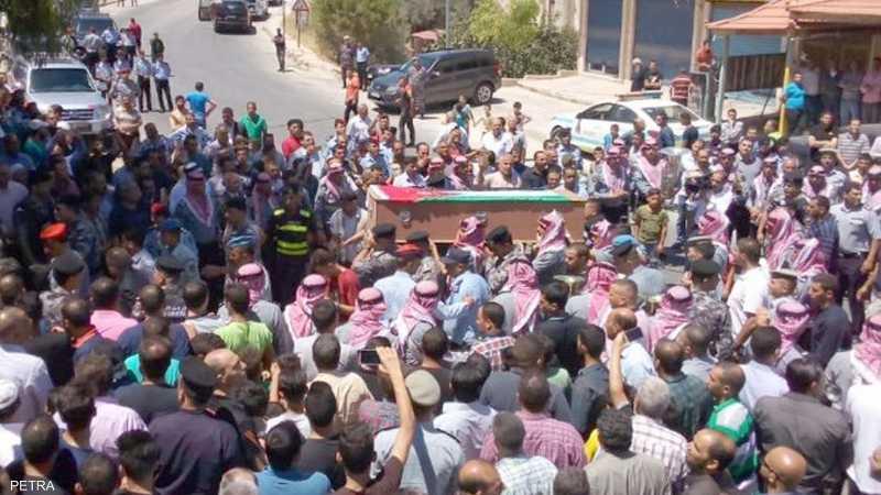تشييع جثمان الرقيب علي قوقزة الذي راح ضحية تفجير الفحيص