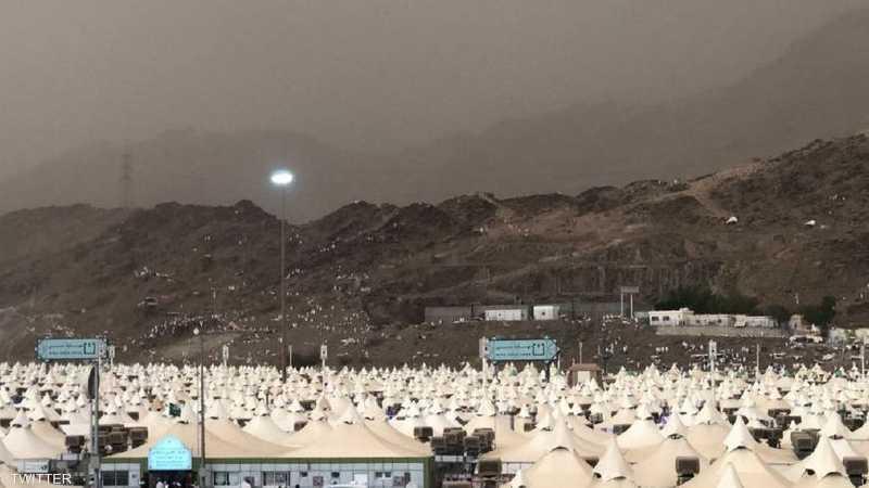 يشارك أكثر من مليوني مسلم في الحج هذا العام