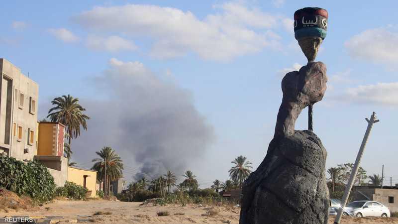أعمدة دخان جراء الاشتباكات في طرابلس