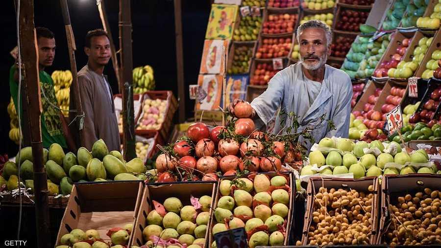 """مصر: اتفاق بمليار دولار لتوفير سلع """"أساسية"""" للمواطنين"""