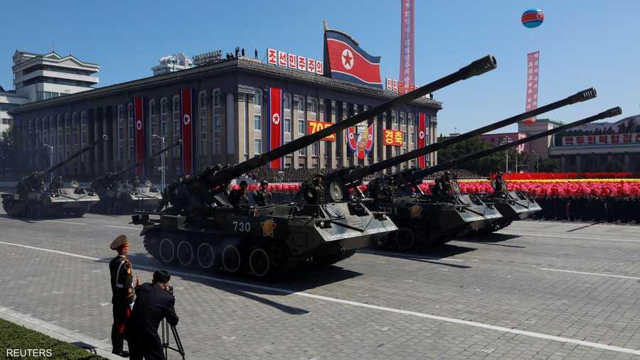 شارك في العرض آلاف من الجنود إضافة إلى طوابير من الدبابات