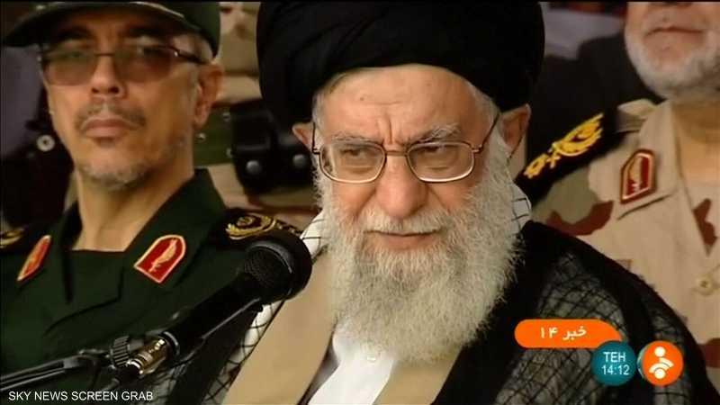 خامنئي يحث الجيش الإيراني على