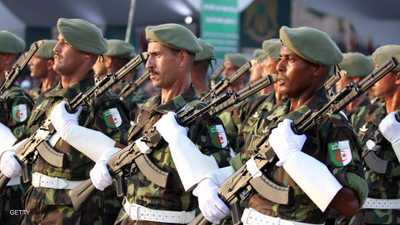 """المعارضة الجزائرية تدعو الجيش لحماية """"مطالب الشعب"""""""
