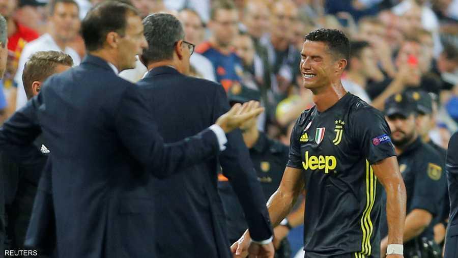 رونالدو طرد في أول لقاء أوروبي مع يوفنتوس