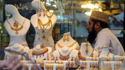 الذهب مستقر ويراقب تطورات الحرب التجارية