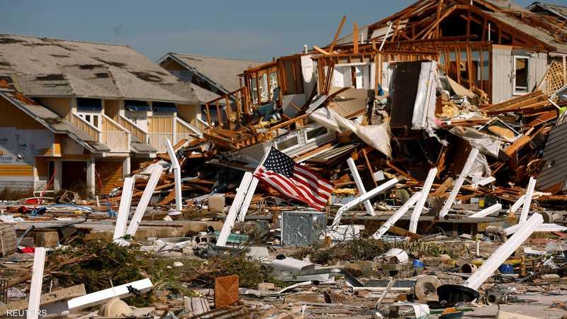 الكارثة حولت بيوت فلوريدا إلى أنقاض متناثرة