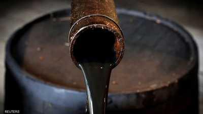 النفط يسجل ذروة 11 شهرا بدعم من توقعات بنقص في المعروض