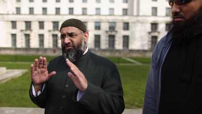 أنجم تشودري واعظ متشدد أدين بتهمة دعم تنظيم داعش