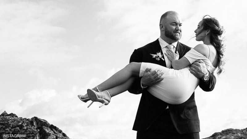 أقوى رجل في العالم يتزوج ونصف متر يثير جدلا أخبار سكاي نيوز عربية