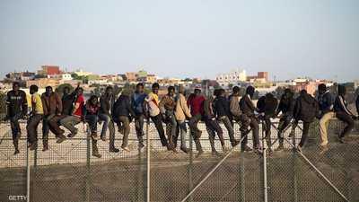 إصابة عسكريين مغاربة في عملية لمنع مهاجرين من العبور لمليلية