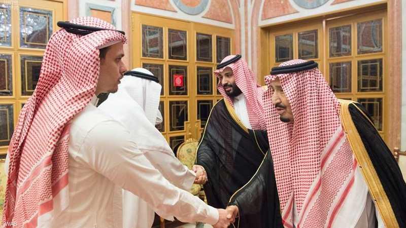 الملك سلمان يستقبل نجل وشقيق جمال خاشقجي 1-1193520.jpg