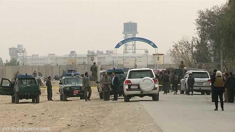 إسقاط مروحية عسكرية تقل مسؤولين أفغان