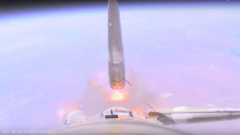 لحظة فشل صاروخ روسي يحمل رائدي فضاء