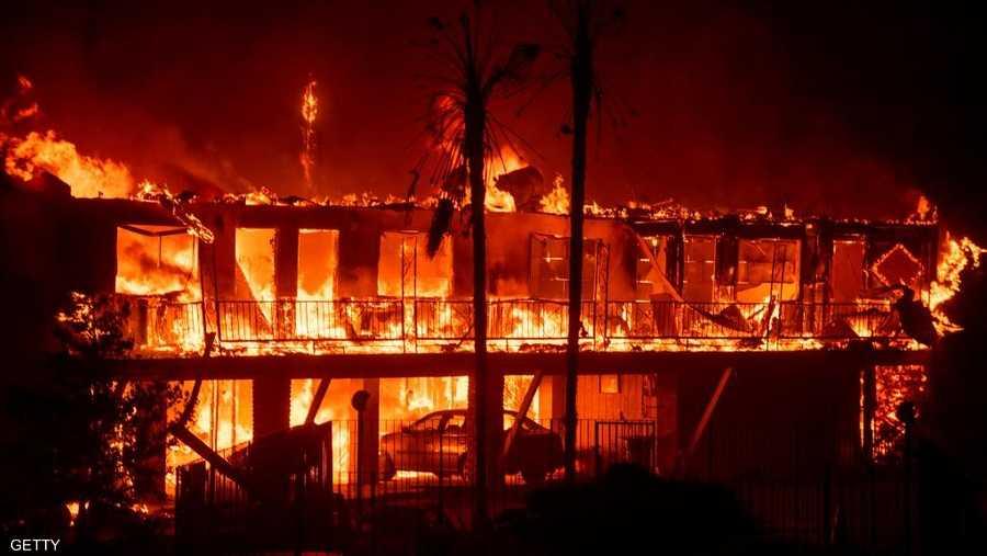 أتى حريق كامب فاير على أكثر من 6700 منزل ومتجر في باراديس