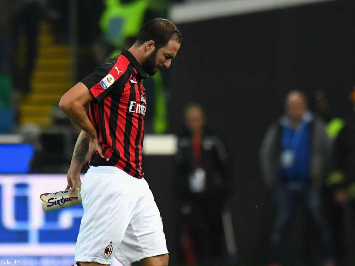 غونزالو ترك الملعب وهو يبكي