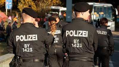 الداخلية الألمانية تدرس ترحيل لاجئين